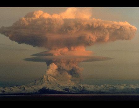 0130090933_M_volcano_redoubt_boom