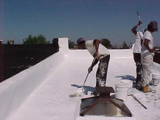 White_Roof_and_crew_finishing