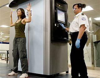 2008-03-03_backscatter-full-body-scan-at-phoenix-international-airport